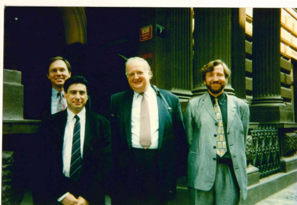 Schůzka členů Výkonného a dozorčího výboru CERGE-EI, Jan Švejnar, Philippe Aghion, Angus Deaton, Gérard Roland